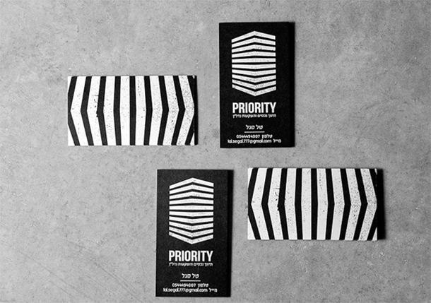 графичные двухсторонние визитки