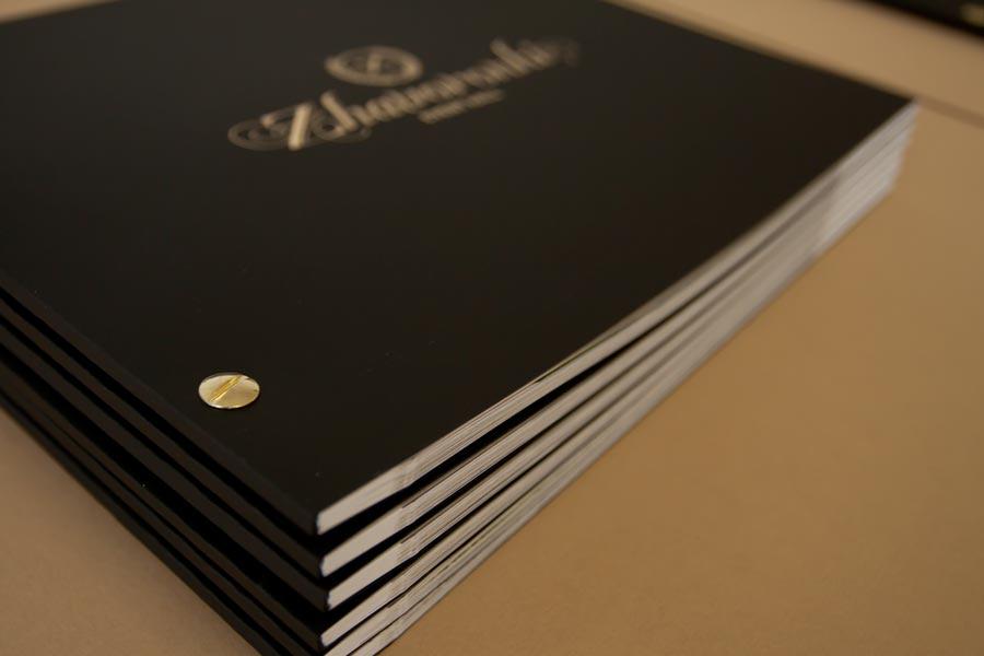 Печать брошюры, дизайн элитной брошюры на болтах
